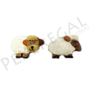 Imanes madera oveja con pelo