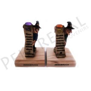 Figuras brujas horoscpopos con base de madera