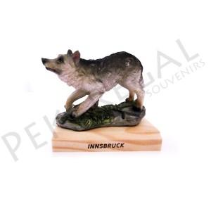 Figura lobo con base de madera