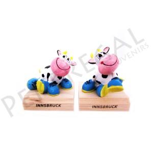 Figuras vacas zapatos con base de madera